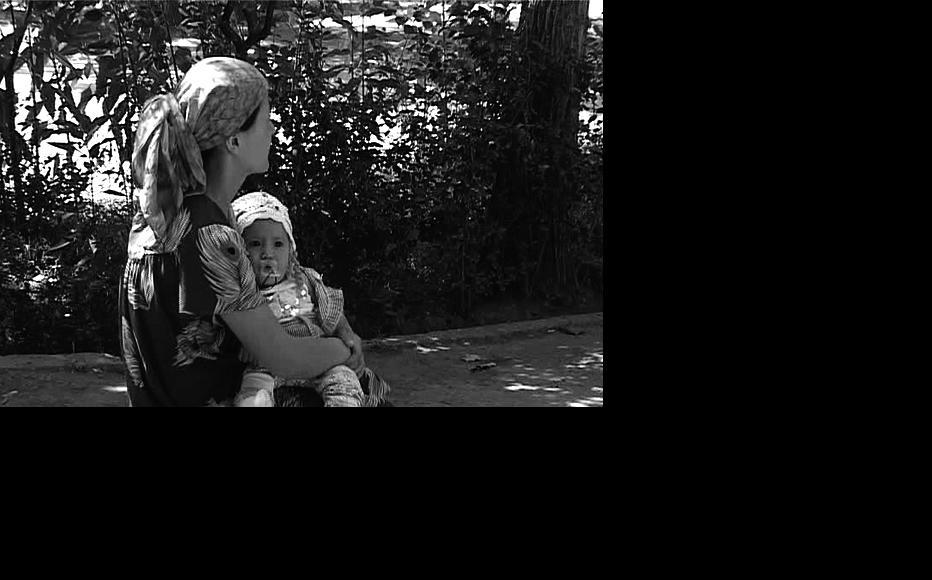 Screening of IWPR video on domestic violence. (Photo: IWPR)