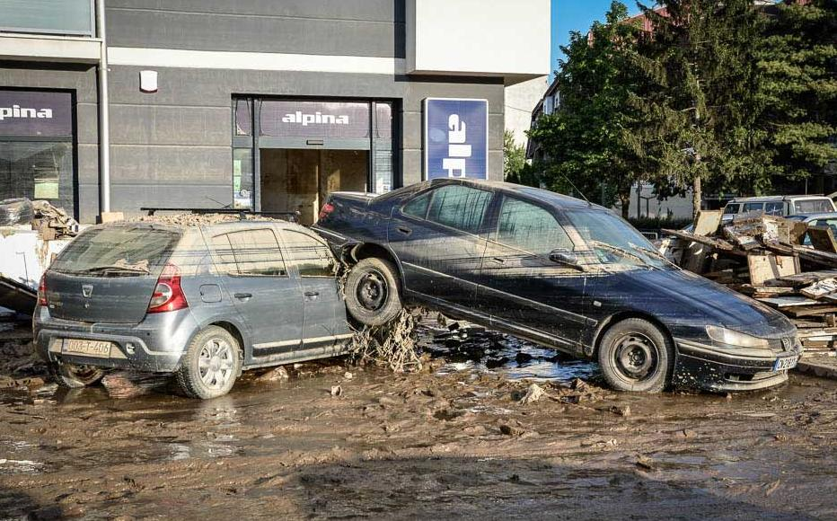 Vehicles tossed around by the deluge in Doboj. May 20-21, 2014.
