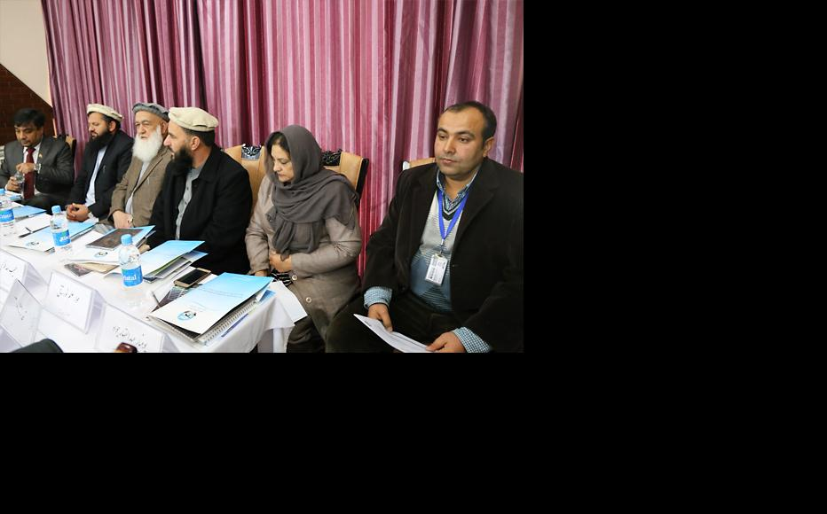Spokespersons for the High Peace Council were taught communications and writing skills. (Photo: IWPR)