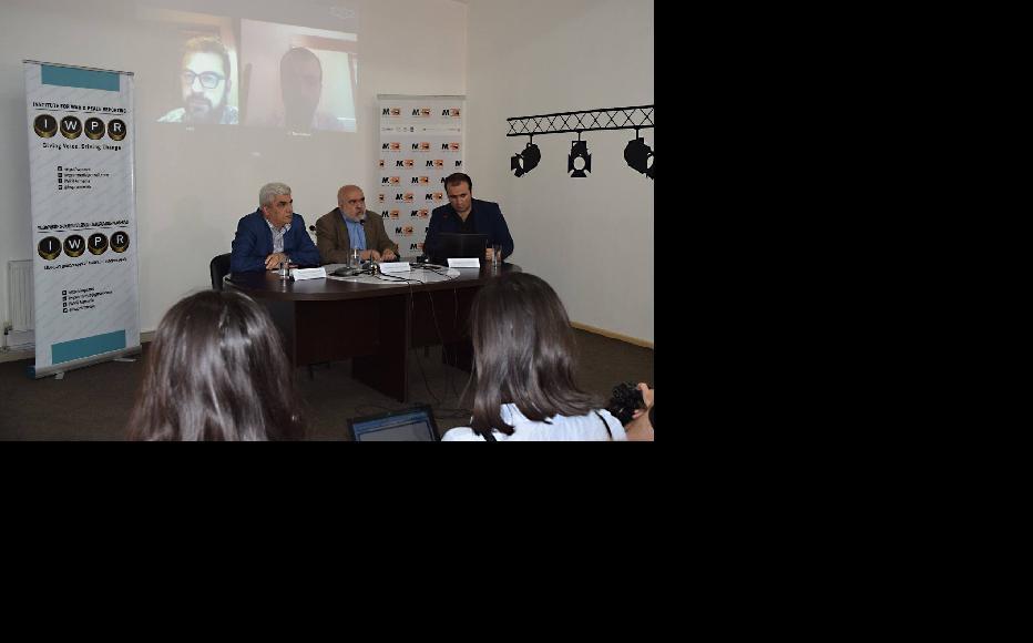 Yerevan Baku video bridge organised by IWPR Armenian Branch a day after two presidents meeting in Viennna. (Photo: IWPR Armenian)