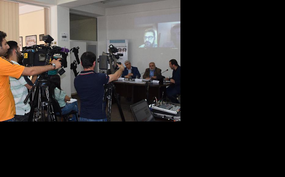 Yerevan-Baku video bridge organised by IWPR Armenian Branch. (Photo: IWPR Armenian)