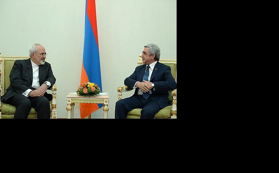 Armenian president Serzh Sargsyan (right) with Iranian foreign minister Mohammad Javad Zarif. (Photo: Armenian president's website)