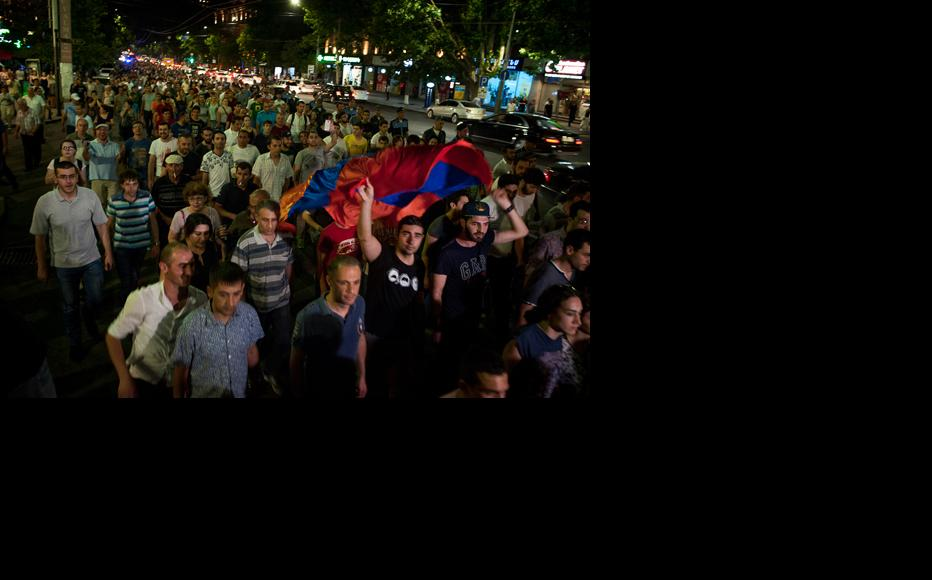 People came to a demonstration down Mashtots Avenue in Yerevan on July 18 protesting against the illegal detention of dozens of activists by the police. (Photo: Nazik Armenakyan)
