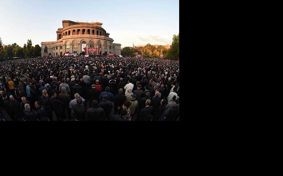 Armenia's opposition has found a new confidence, as shown by this November 2014 demonstration. (Photo: Photolur agency)