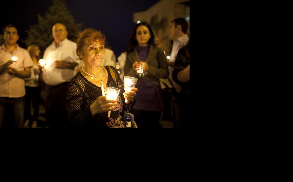 Candlelight vigil outside the restaurant where army doctor Vahe Avetyan was killed. (Photo: Anahit Hayrapetyan)