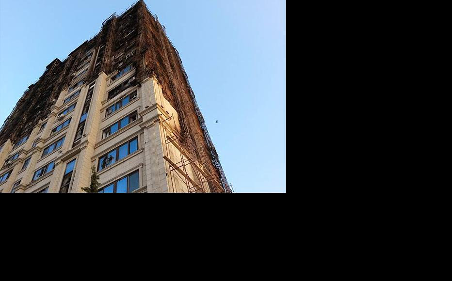 Inflammable plastic is being blamed for a fire that devastated this apartment block in Baku. (Photo: Elmar Maliksoy)