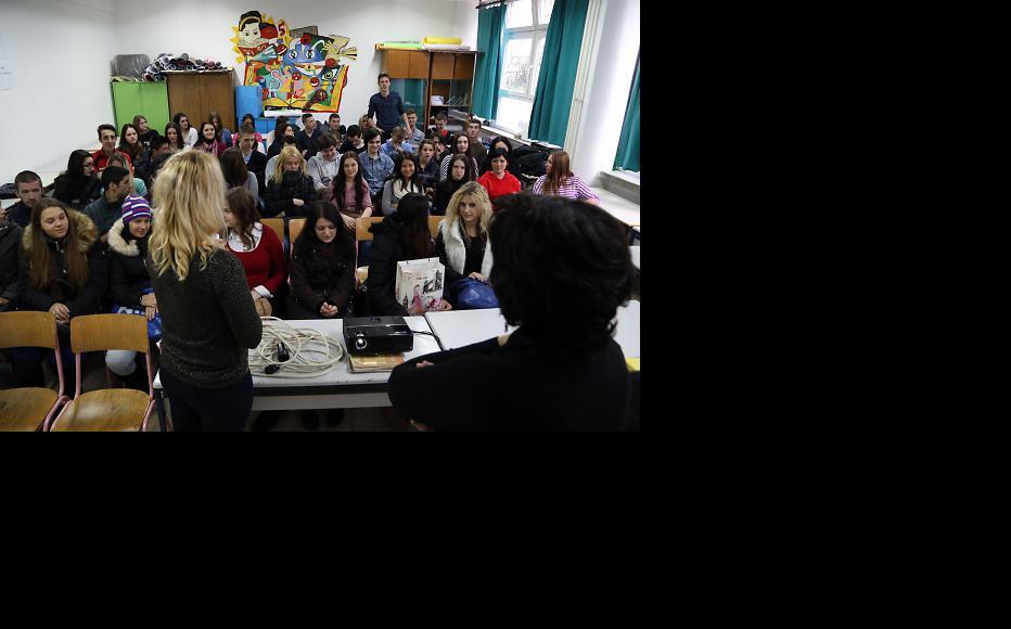 Students at the Catholic Gimnasium Sveti Franjo in Tuzla discussed reconciliation. (Photo: Maja Nikolic)