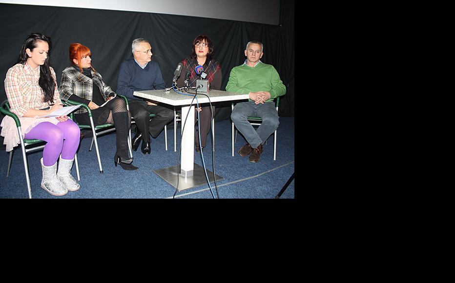 (r to l) Dr Darko Golic, Dr Halima Resic, Dr Mirko Stanetic, film co-author Duda Sokolovic, and event moderator Jelena Babic. (Photo: Maja Bjelajac)