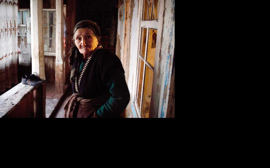 Roza Abrahamyan, one of thousands of Armenians who fled the village of Artsvashen when it was overrun by Azerbaijani forces nearly two decades ago. (Photo: Nazik Armenakyan)