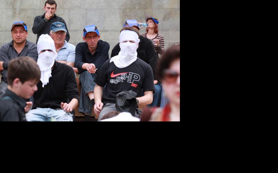 Georgian opposition protesters in Tbilisi. (Photo: Mirian Koridze)