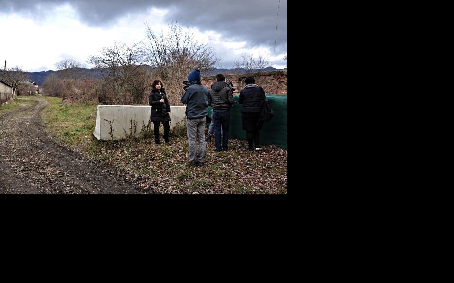 Marina Vashakmadze of RFE/RL reports from the Administrative Boundary Line. (Photo: Heather Yundt/IWPR)