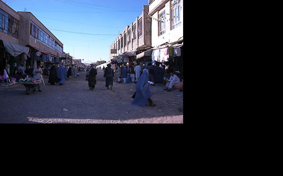Women at the clothes bazaar in Herat. (Photo: Sven Dirks/Flickr)
