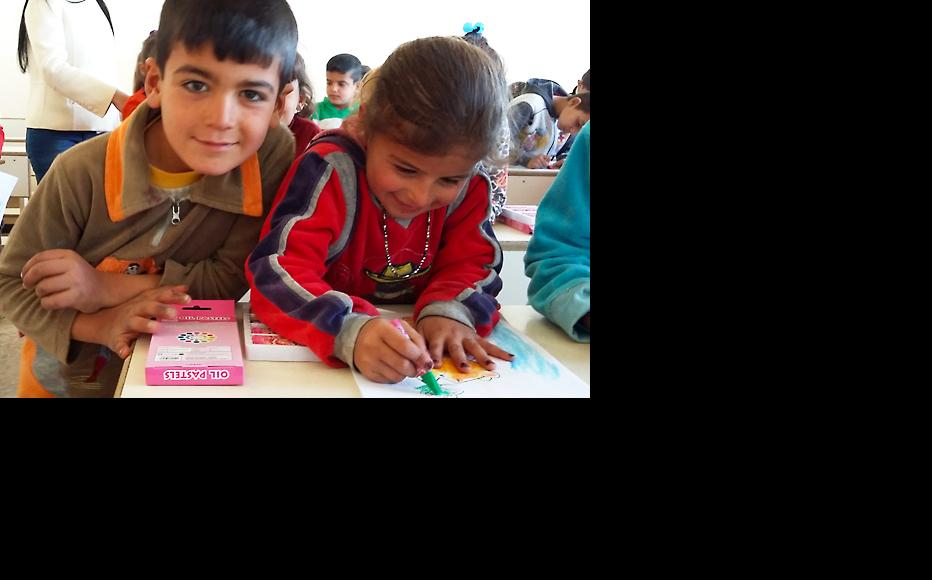 The children got a chance to learn and enjoy new skills (Photo: IWPR)