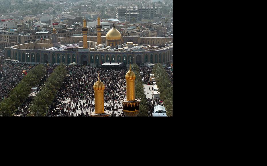 Shia pilgrims in Karbala. (Photo: Ahmed al-Baghdadi)