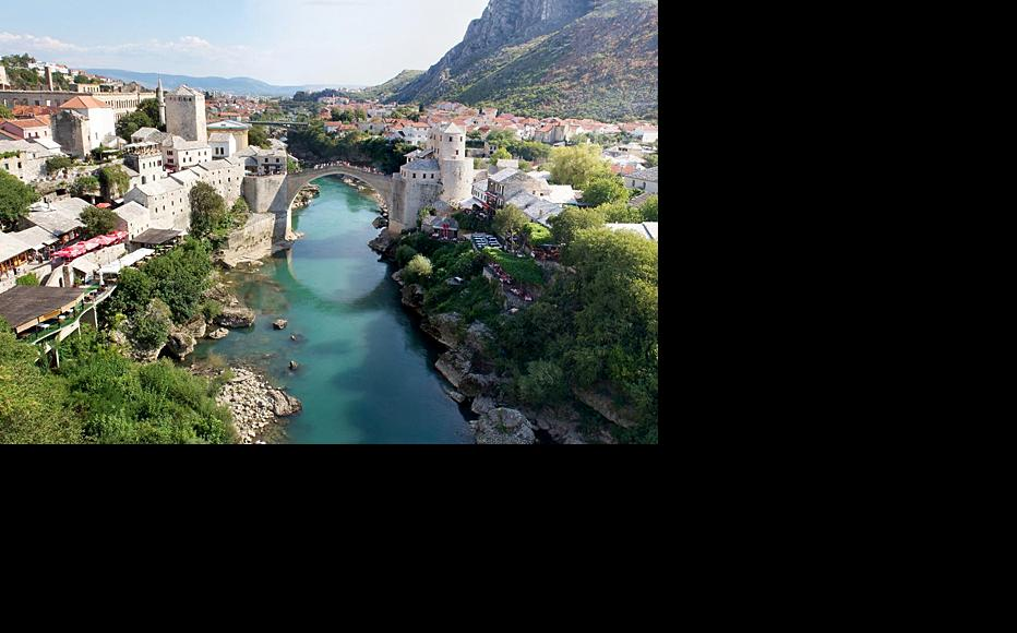 Mostar's famous bridge symbolised wartime divisions between Bosniaks and Croats. (Photo: Anroir/Flickr)