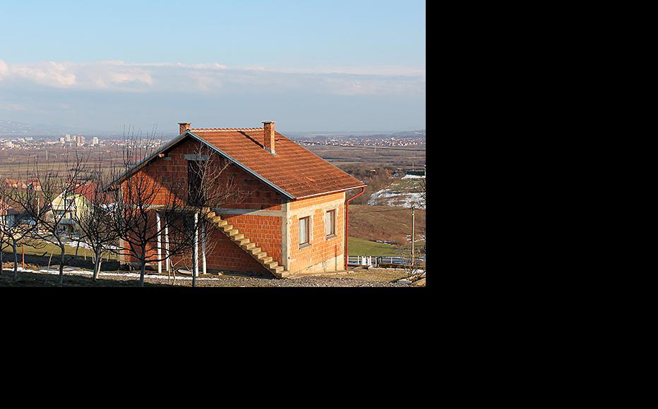 View of Prijedor from Rizvanovici, five kilometres. Rizvanovici is a Bosniak village, while Prijedor is predominantly Serb. (Photo: Dražen Huterer/Nejra Suljović)