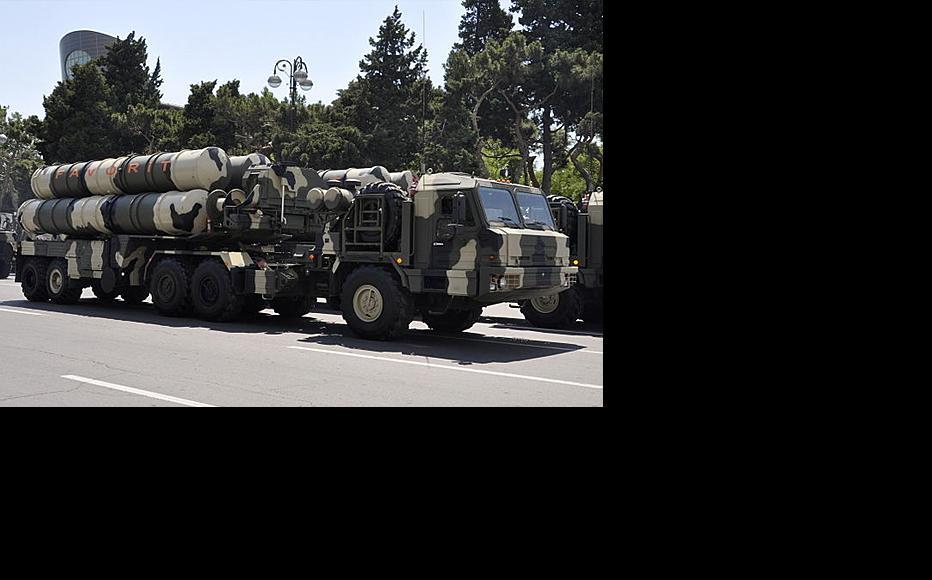 Russian-made missiles on parade in Baku, June 2011. (Photo: Sevda Babayeva/Wikimedia Commons)