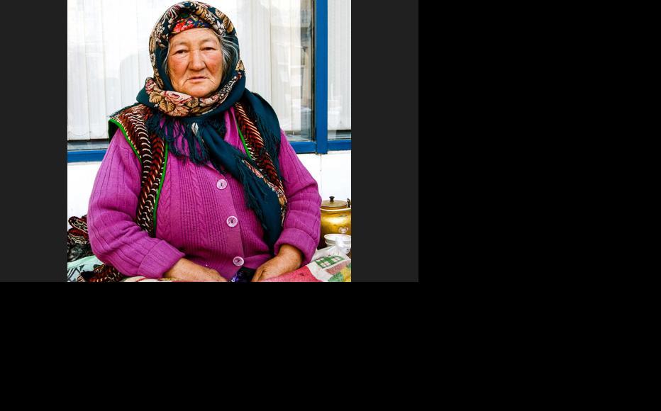 An elderly Turkmen woman at the local market. (Photo: Helen Stevenson)