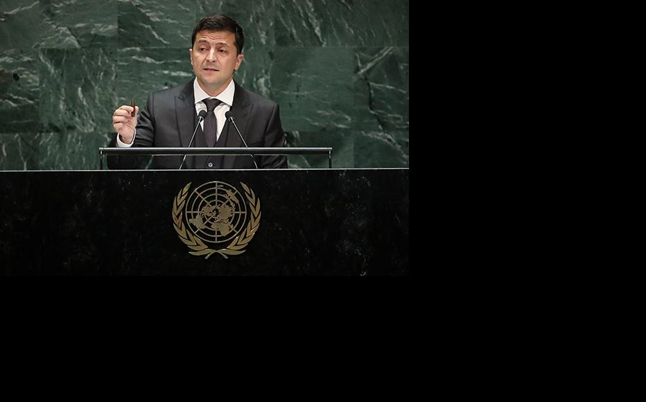 President of Ukraine Volodymyr Zelensky holds up a bullet as he addresses the United Nations General Assembly at UN headquarters on September 25, 2019 in New York City. (Photo: Drew Angerer/Getty Images)