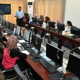 IWPR classes on marketing and photography, Baghdad, June 2012. (Photo: Haider Khuder)