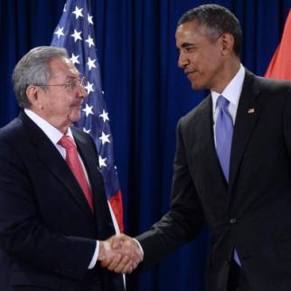 President Barack Obama shakes hands with Cuban leader Raúl Castro shake hands at the United Nations in New York. September 29, 2015. (Photo Anthony Behar-Pool/Getty Images)