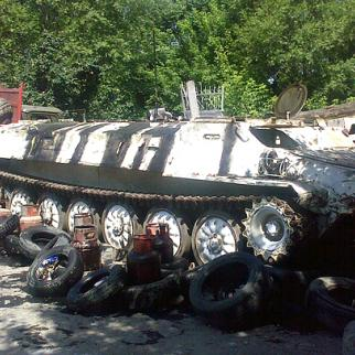 A disused military vehicle into service as a barricade on the outskirts of Osh. (Photo: Isomidin Ahmedjanov)