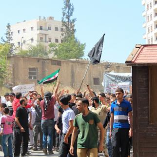A large protest in support of rebel fighters in Aleppo. (Photo: Salah al-Ashqar)