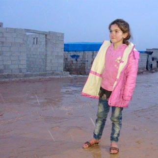 Children suffer during icy weather due to a lack of winter clothing. (Photo: Ahmad al-Salim)