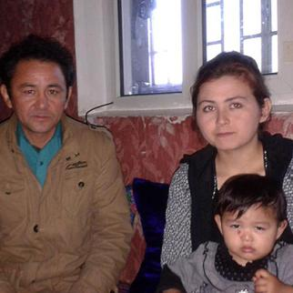 Suhaila Nawruz and Abdusattar Bakhtiyar with their daughter in Dushanbe. (Photo courtesy of S. Nawruz)